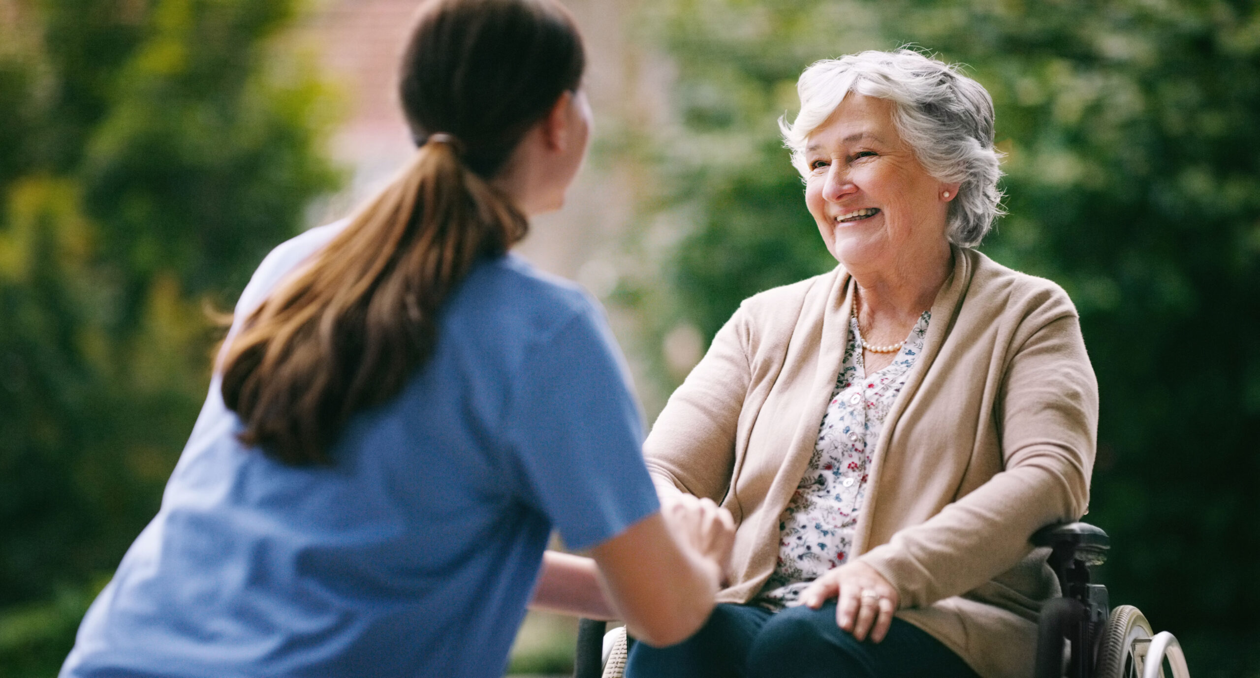 Pflegerin und Patientin_3