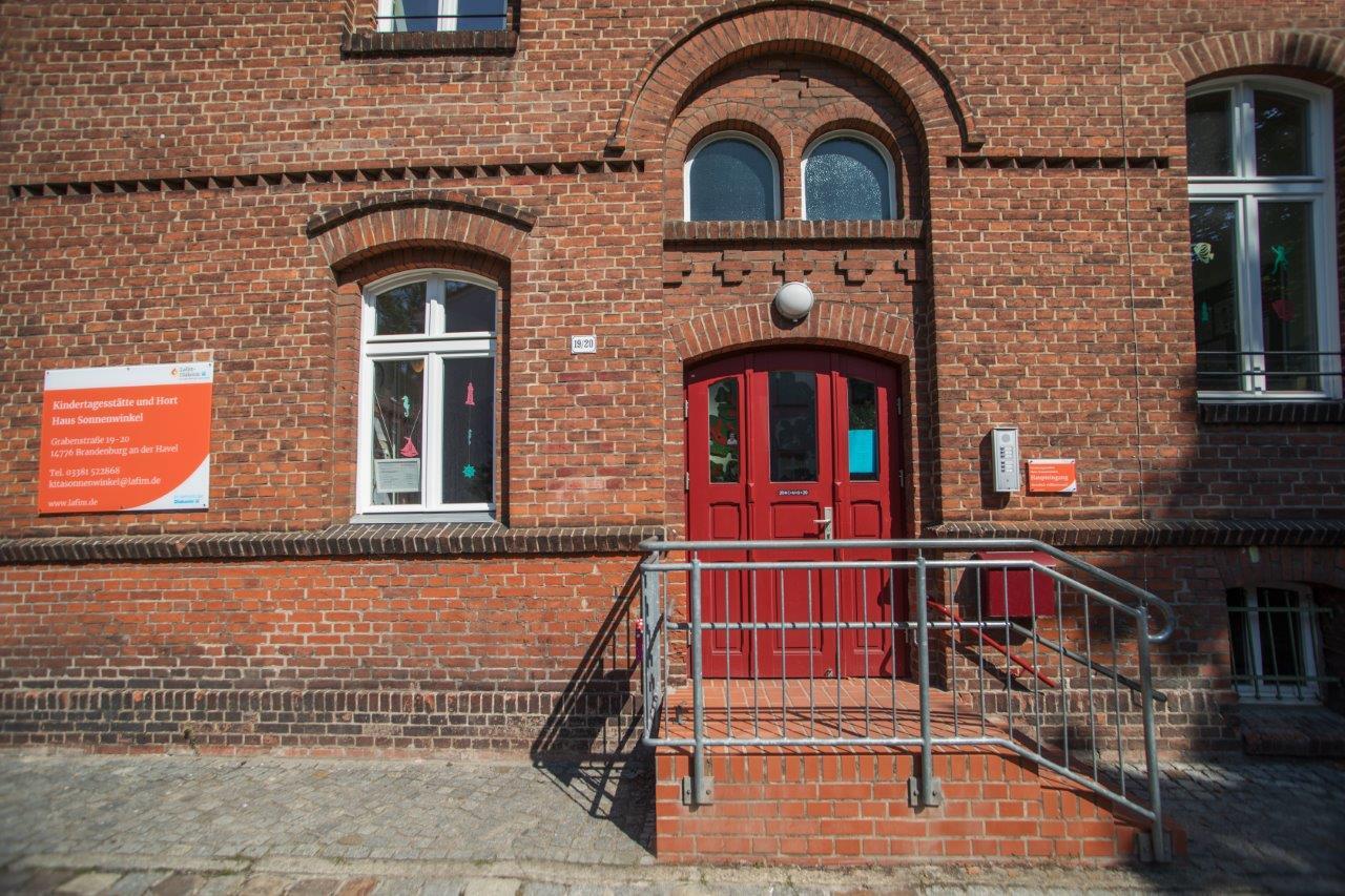 Eingang Kita Haus Sonnenwinkel